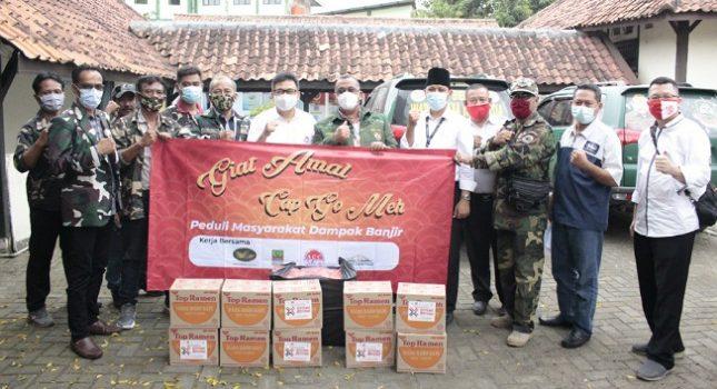 Jababeka Gandeng ACC, THF dan Pemkab Bekasi Bagikan Ribuan Paket Nasi Bungkus & Sembako untuk Korban Banjir